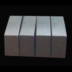 Fixierte-Rebonded Magnesiumoxyd-Chromerzsteine (FRMC-18)