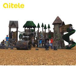 樹脂の子供/子供のトンネルのスライドが付いている屋外の運動場装置