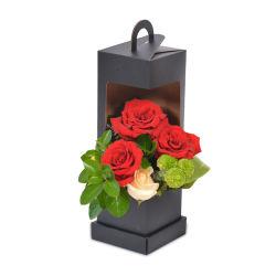 La fenêtre Bouquet de fleurs sac de papier cadeau Saint Valentin de coussins de fenêtre en vente libre de l'échantillon
