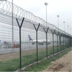 Haut de gros de clôture de sécurité avec des barbelés/Hot Feux de l'acier galvanisé V post clôture/sécurité de l'aéroport de Wire Mesh Clôture (usine)