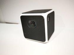 Низкая стоимость Multi-Color светодиодный проектор HiFi-динамик