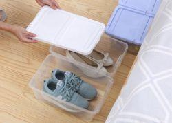 편성 남자 및 여자의 단화, 샌들, 쐐기(wedge), 평지, 발뒤꿈치 및 부속품을%s 상자가 그리고 콘테이너 플라스틱에게 겹쳐 쌓이는에 의하여 구두를 신긴다