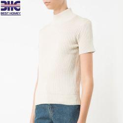 女性の白い綿のリネンブレンドは女性のために着るタートル・ネックによって編まれたセーターの不足分の袖を肋骨で補強した