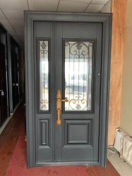 Luxuxhaus-bearbeitetes Eisen-Eintrag-Türen mit ausgeglichenem Glasfenster