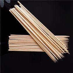 Barbecue de gros bâtons de bambou/ brochettes de bambou