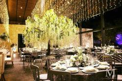16FT 큰 백색 훈장 인공적인 등나무 나무 실내 꽃 거리 정원사 노릇을 하기를 위한 플라스틱 꽃송이 나무