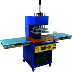 KY-0207 het Product die van het Silicone van de Machine van pvc tot Machine maken het Automatische het Dalen Product van het Etiket TPU van pvc van de Machine van het Etiket van het Silicone van de Machine het In reliëf maken van de Hoge Frequentie Machine