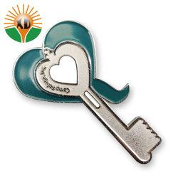 Llave de metal personalizados en forma de corazón y el pin pin de solapa (BD-01)