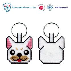 Stickerei-Hundeschlüsselketten-Kreuz näht Mosaik-Heftungen