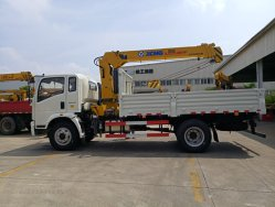 4X2 HOWO Sinotruk Light Duty grue de levage de levage de rampe repliée/camion-grue télescopique droite 3t à prix direct usine 16t
