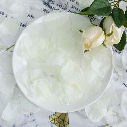 100PCS أوراق الزهور المصطنعة الفضية الذهبية من أوراق الزهور ديكور الحفلات ديكور طاولة غرفة النوم لعيد الحب