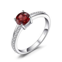 標準的な宝石類の立方ジルコニア925の純銀製の宝石類が付いている総合的なガーネットリング