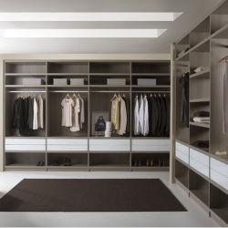 Lujo personalizado hogar moderno dormitorio Vestidor de madera contrachapada de puerta corrediza de vidrio de la Junta de partículas de madera sólida mueble aparador conjunto armario abierto