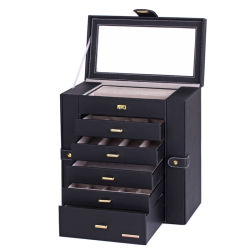 현대적인 스타일의 우아한 블랙 쥬얼리 박스가 다양한 스타일로 장식되어 있습니다