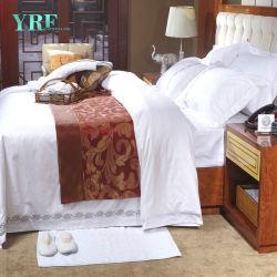 De Badkamers van het Hotel van het Beddegoed van het Bamboe van Sethotel van de Bladen van het Bed van het Embleem van het borduurwerk