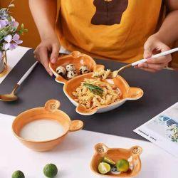 Buena calidad y la forma de conejo lindo diseño pintado a mano juego de niños juegos de vajilla pintada a mano cerámica gres