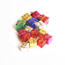 La décoration des arbres de Noël 12 Pieces2.5cm mini Christmas Ornaments boîte cadeau en mousse métallique brillant enveloppé d'ornements de Package miniature