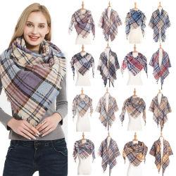 2020 Outono Inverno Plaid Novo Design Lenços de poliéster Xale lenço triângulo de cerdas monocromática lenço de mulheres