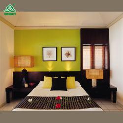 Belo quarto de hotel de férias à beira-mar coloridos mobiliário com colchão