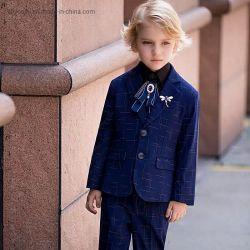 赤ん坊の幼児長袖の紳士は男の子の誕生日スーツに適する