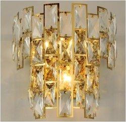 ベッドサイド、階段、ドアウェイ用のモダンなスタイルの人気ゴールドカラーウォールランプ E14 バルブ