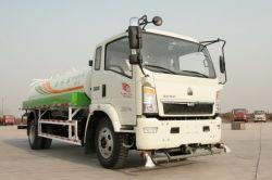 La camioneta de rociadores el tráfico urbano Greening