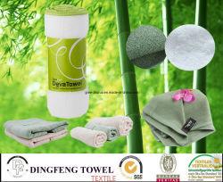 De hete Verkopende Stevige Vlakte die van de Reeks van het Satijn van de Kleur de Handdoeken van het Bamboe van 100% voor Bad weeft