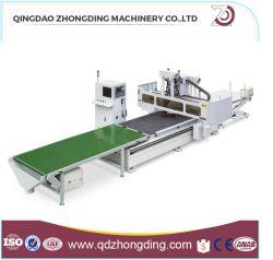 جهاز توجيه CNC نظام التحكم التلقائي في درجة الحرارة (ATC) التحميل التلقائي لآلة نحت الخشب وتفريغها