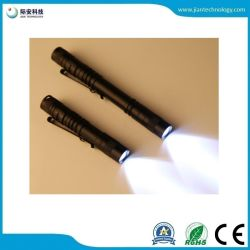 A vida útil da bateria AA Penlight portátil usar mini-Lanterna com clip