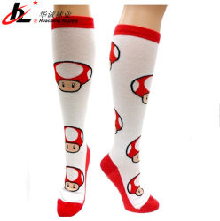 Os fabricantes de meias Super Mario Power Cogumelo de meias de alta de joelho