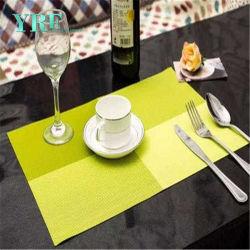 広州フォーシャン中国の卸し売りプラスチックによって編まれるわらのPlacematsの円卓会議の布