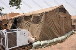 Tente en toile polyester imperméable simple couche 7X5m / grande taille Tente militaire avec tuyau en acier peint