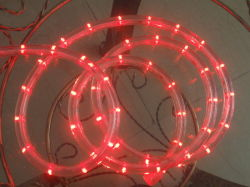 LED de 2 fios vermelha ao redor da luz de Corda