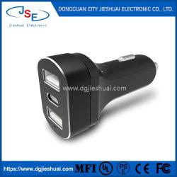 Городе горячая продажа 5 В / 5,4 A три порта телефон автомобильное зарядное устройство USB с светодиодный фонарик и тип C разъемом для использования автомобилей