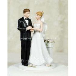 Primeros de la torta de boda de la estatuilla de los pares de la rosaleda para la decoración de la torta