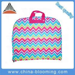 La pendaison pliable en polyester 600D Costume robe de vêtements vêtement adapté à couvrir