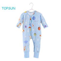 赤ん坊の足の男の子のパジャマの摩耗の女の子によって合われる袖口の保護子供の綿のロンパースのスリープおよび演劇の衣服