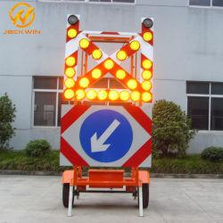 Feu de circulation pour la construction du triangle de voiture signe d'avertissement clignotant de remorque du Conseil de flèche