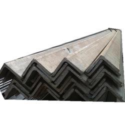 Il metallo d'acciaio chiaro galvanizzato del divisorio profila l'angolo di parete del soffitto
