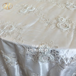 Sequinの象牙3D Flower Embroidery Banquet Table Linens Cloth