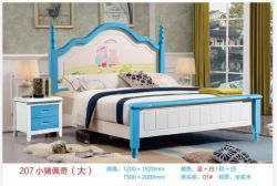 クイーンサイズのダブル・ベッドの傾斜の純木のシングル・ベッド