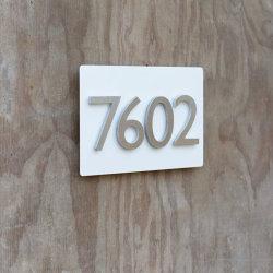 A decoração do hotel por grosso de aço inoxidável com placa de número de Casa