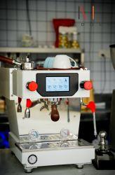 Entièrement automatique machine à café expresso Home Appliance / café prêt à expédier