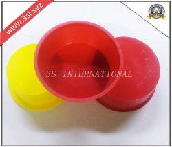 先を細くされる赤いプラスチックは差し込む管(YZF-C420)のための管のエンドキャップを