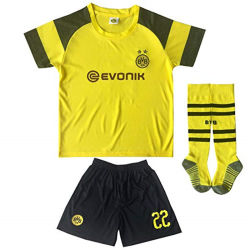 Kids Soccer Jersey de football de la jeunesse sport Tailles costumes T shirt Shorts et des chaussettes garçons Vêtements
