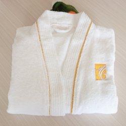 Heiße Verkaufs-Baumwollscherzt weißes Terry-Tuch 100% netten Bademantel