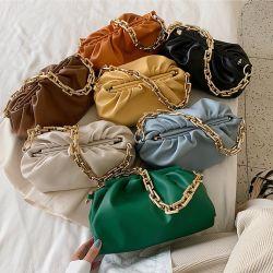 2020 nuovi sacchetti Underarm della nube piegano le borse femminili Chain spesse di cuoio molli di Crossbody della spalla della Tutto-Corrispondenza