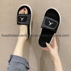 Leichte Schuh-Schablone mit PVC EVA Schuhform Neues Design Kundengebundene Logo China Professionelle Formenfabrik