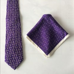 La impresión de la moda con pañuelos de seda corbatas de diseño