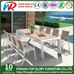 Tavolo da pranzo in lega di alluminio e sedia con finitura in teak